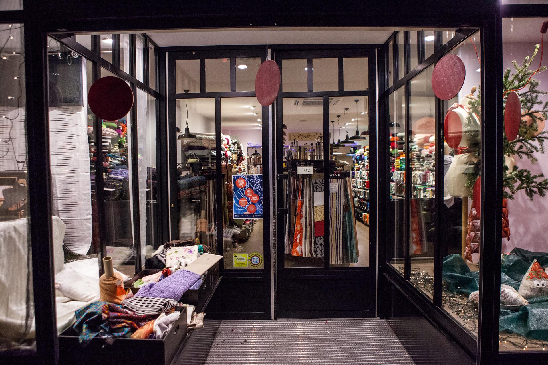 cong s d 39 t la maison des tissus votre magasin lyon depuis 1988. Black Bedroom Furniture Sets. Home Design Ideas